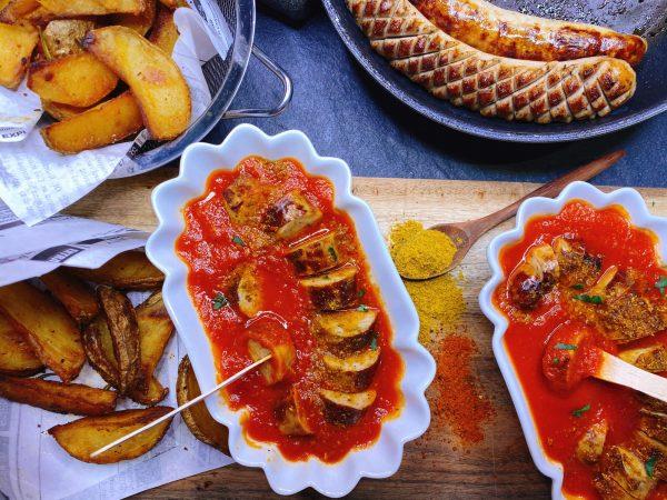 Leckere Bratwurst in Currysauce gesund